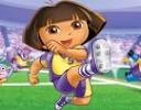 Bebek oyunlarının sevimli yıldızı Dora, bu kez erkek oyunlarına da el atmış v...